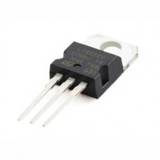 L7805 Voltage Regulators
